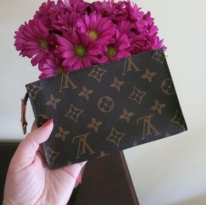 Louis Vuitton Monogram Bucket PM Pouch